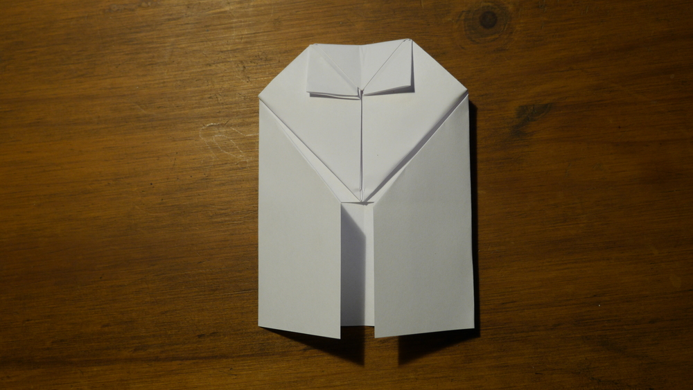 5 Ways to Fold a Paper Into Thirds - wikiHow | 563x1000